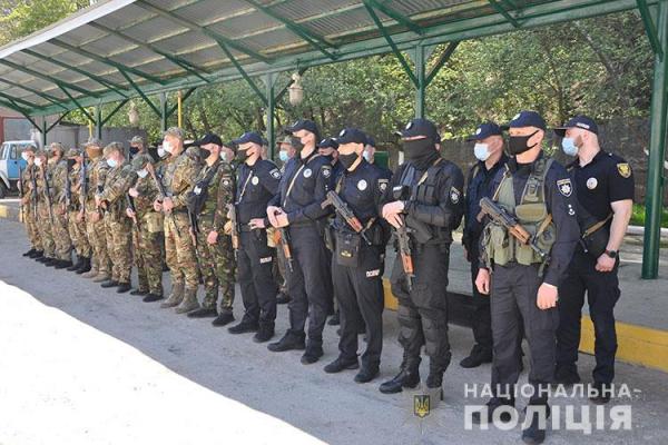 Поліцейські Тернопільщини повернулися із зони ООС