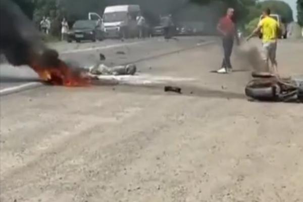 На Тернопільщині ДТП: вогонь охопив мотоцикліста