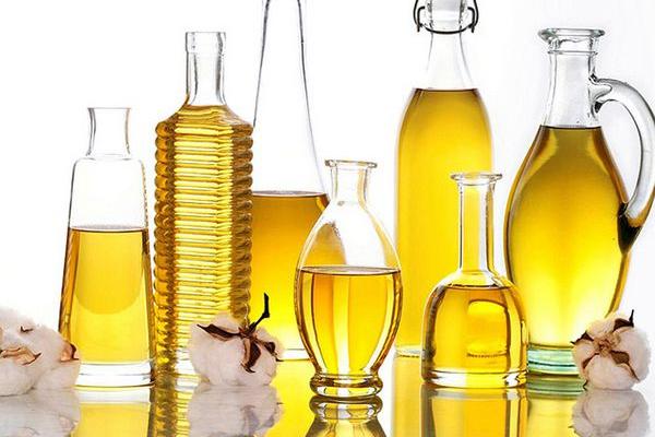Українська олія за кордоном вдвічі дешевша, ніж у нас!