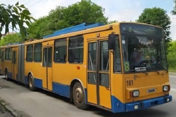 Тернопіль: у вихідні тролейбус № 8 курсуватиме відповідно до тимчасового розкладу руху