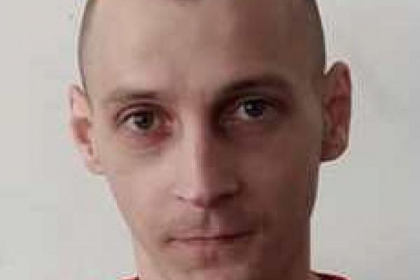 Збаразькі поліцейські розшукують злочинця, який втік з тюрми на Рівненщині (фото)