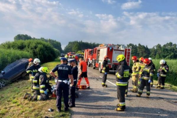 У Польщі знову український мікроавтобус потрапив у ДТП: є загиблий і важкотравмовані