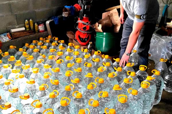 На Тернопільщині викрили масштабне виробництво контрафактного алкоголю