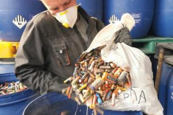 Тернопільщина відправила 500 кг використаних батарейок на утилізацію до Румунії