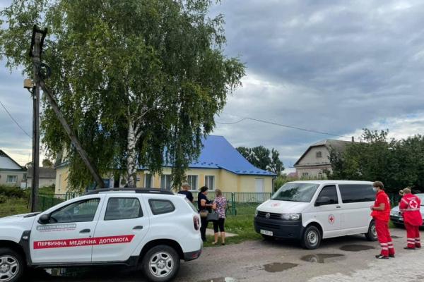 У селах Тернопільщини вакцинують людей від COVID-19