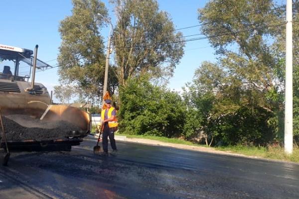 Тернопіль: від «Збаразького кільця» до Гаївського мосту влаштовано верхній шар асфальтобетонного покриття
