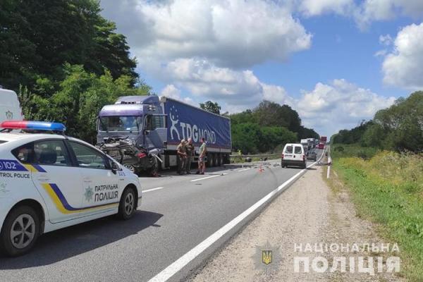 На Тернопільщині ДТП: водій помер на місці