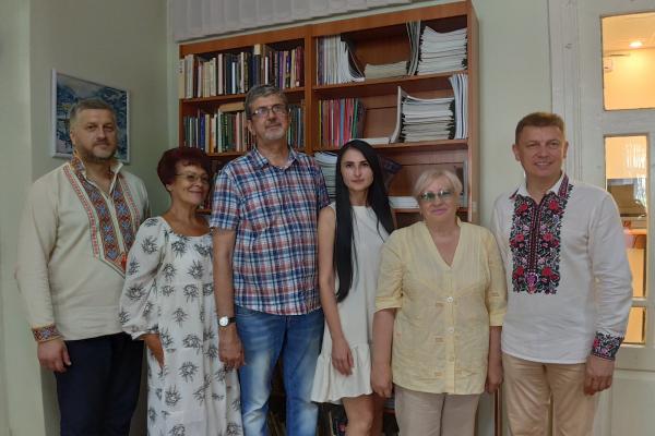 Тридцять днів тернополяни читали вірші тридцяти поетів