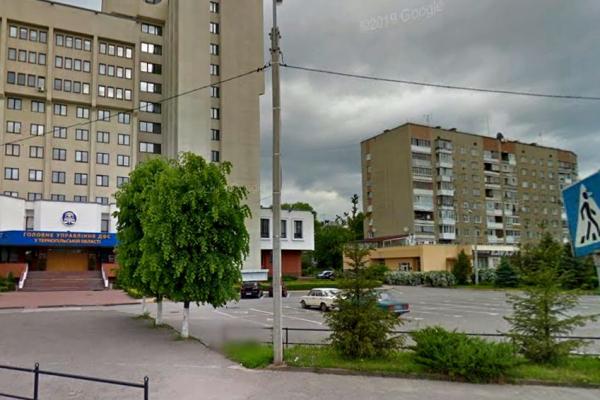 Увага водіїв! У Тернополі можна буде припаркувати автомобіль на вул. Білецькій, 1