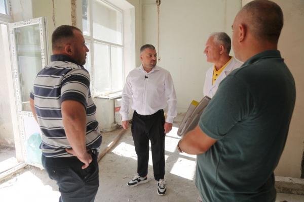 У лікарні швидкої допомоги Тернополя замінили усі вікна на суму понад три мільйони гривень (фото, відео)