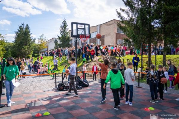 У Тернополі відкрили сучасний спортивно-відпочинковий комплекс
