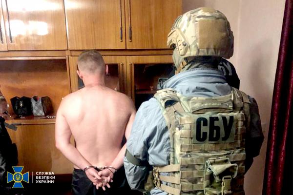 СБУ затримала російського «кримінального авторитета», який перебував у міжнародному розшуку по лінії Інтерполу