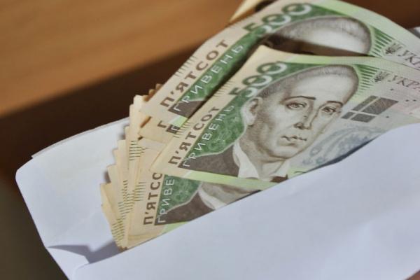 Вкрав 16 тисяч у конверті з офісу: поліція Тернополя злапала шахрая