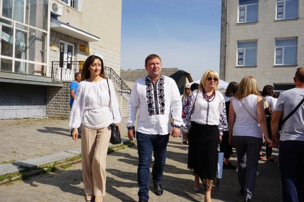 У місті Борщів на Тернопільщині відбувся XIII всеукраїнський фольклорно-мистецький фестиваль «Борщівська вишиванка»