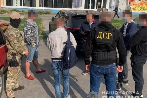 На Тернопільщині поліцейські викрили групу осіб на вимаганні майже 7 мільйонів гривень у біткоїнах