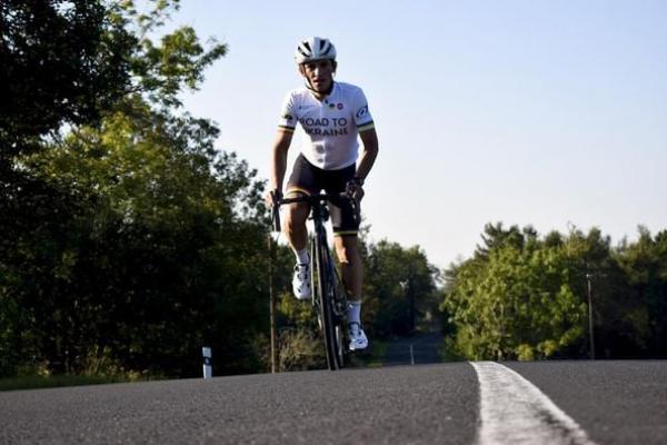 19 вересня у Тернопіль прибуде бельгійський студент, який проїхав на велосипеді усю Європу заради допомоги сім'ям на Сході України