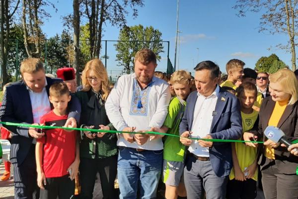 Завдяки програмі «Велике будівництво» відкрили сучасний спортивний майданчик у селі Боричівка