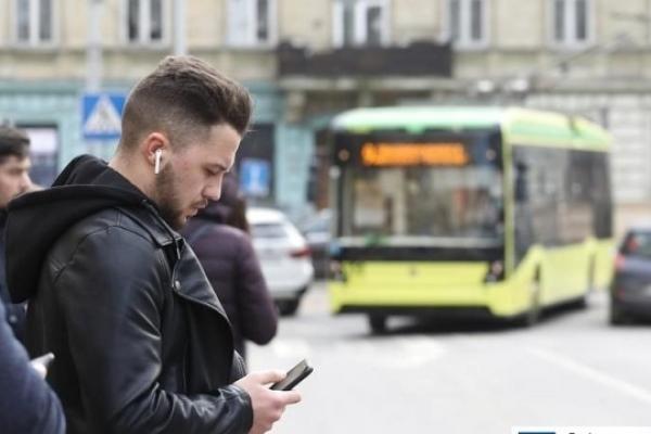 Перший тиждень роботи нової безготівкової системи оплати за проїзд «Єдиний квиток»: проблеми та шляхи їх вирішення