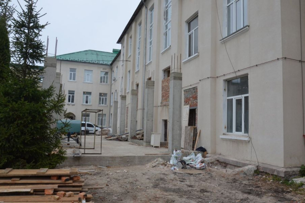 У лікарні Чорткова триває реконструкція приймально-діагностичного відділення