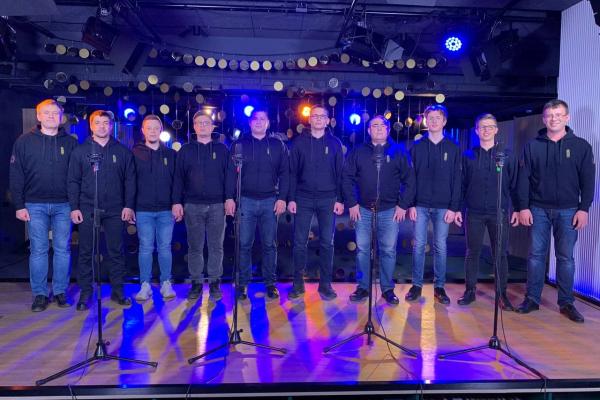 Хористи Львівської національної академічної чоловічої хорової капелли «Дударик» підтримали флешмоб з виконанням пісні про Степана Бандеру