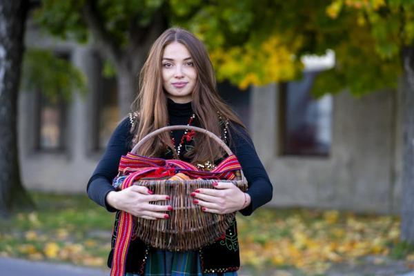 Тернополян запрошують відвідати онлайн резиденцію з відтворення традиційного одягу (ФОТО)