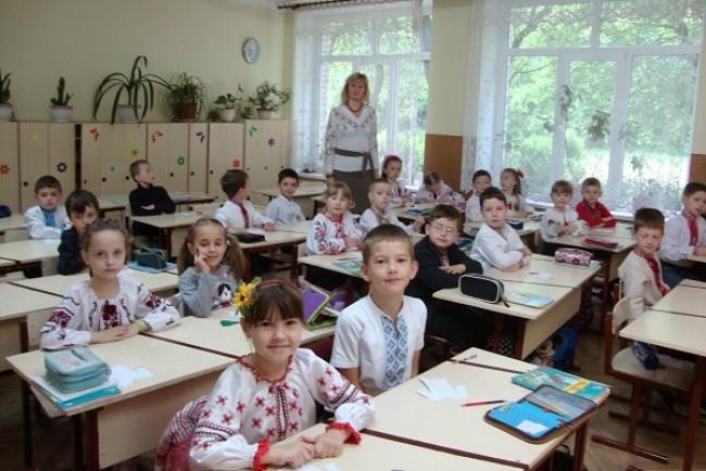 Міносвіти вводить прийом у школи за пропискою