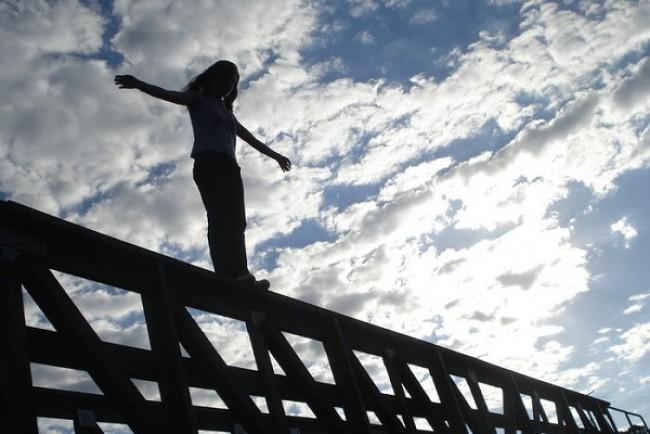 У Підгайцях дівчина намагалась стрибнути з моста