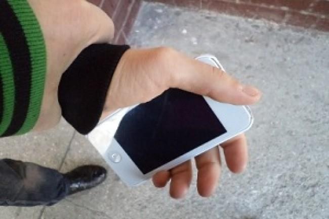 Через власну необережність тернополянин втратив телефон