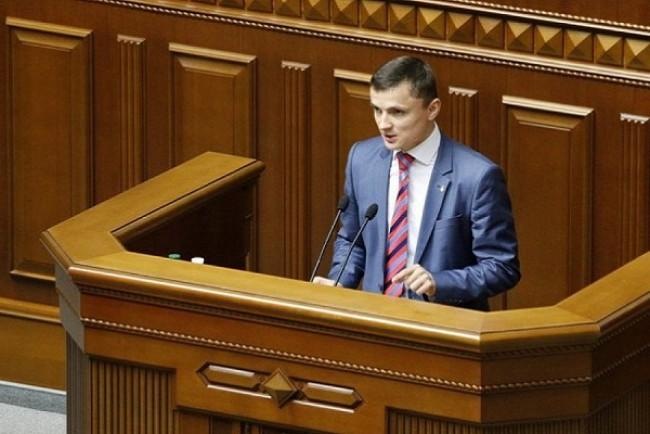 Провладна коаліція, «Самопоміч» і «Радикальна партія Ляшка» у черговий раз підняли пенсійний вік, – Михайло Головко