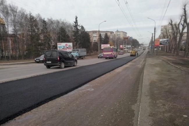 На Тернопільщині успішно будують дороги за рахунок перевиконання митних платежів