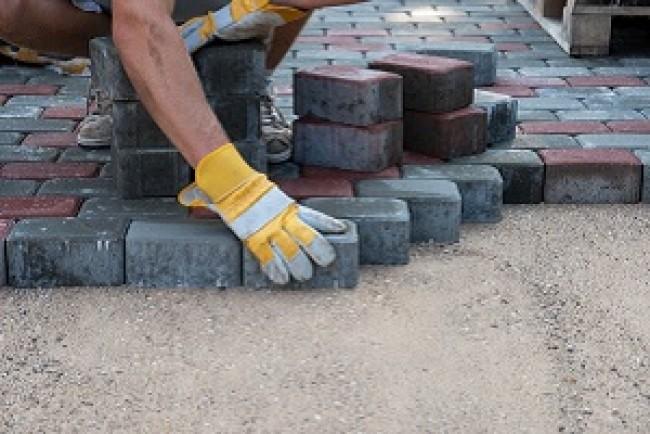 Тернополяни вимагають продовжити ремонт тротуарів на вулиці Новий Світ