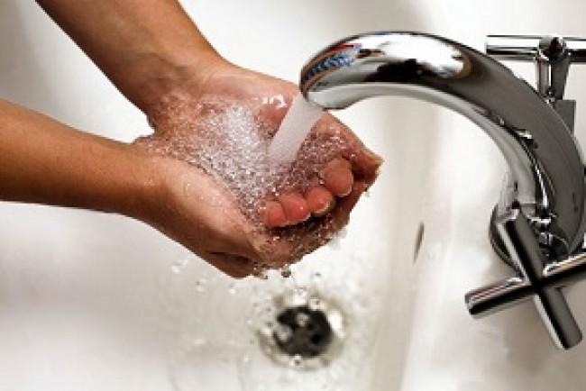 У Борщеві фахівці виявили ряд відхилень у питній воді