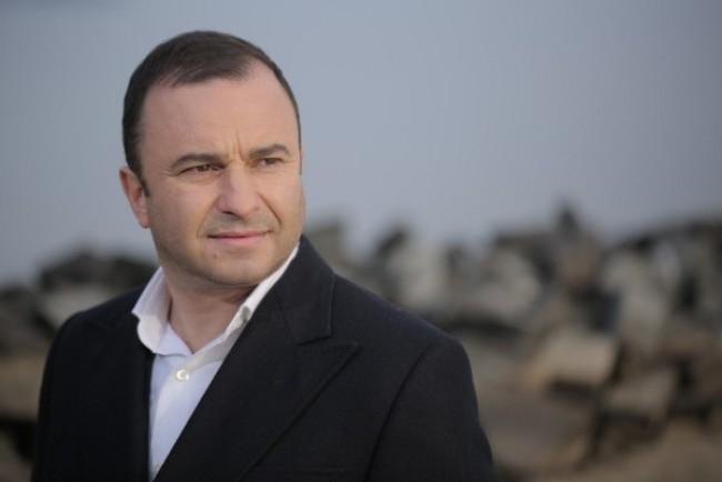 Відомий співак з Тернопільщини шокував зізнанням про зради дружині