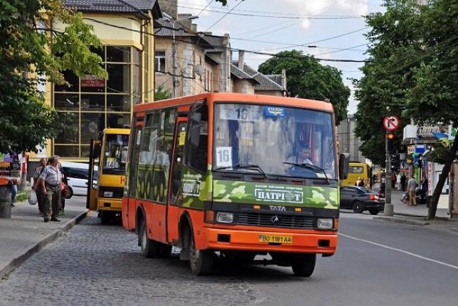Тернополяни пропонують створити службу, яка контролюватиме стан маршруток та роботу водіїв