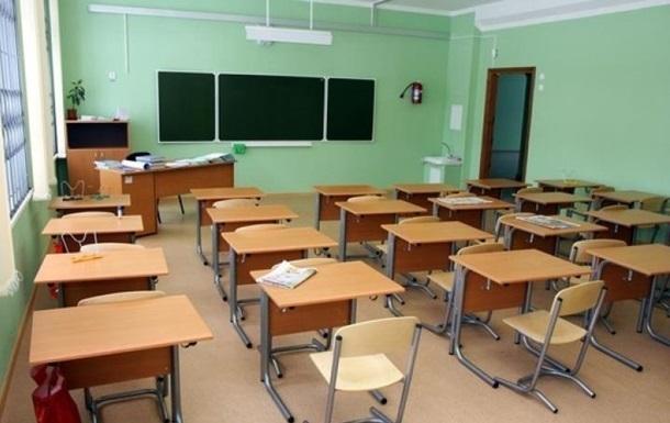 Нещепленим дітям заборонили відвідувати школи та садки Тернополя