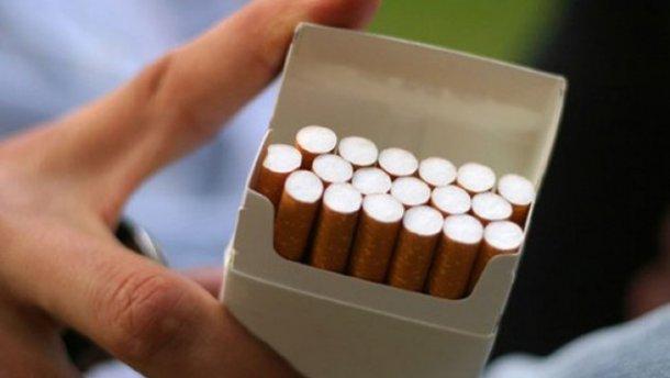 На Тернопільщині молодик зламав щелепу чоловікові через цигарки