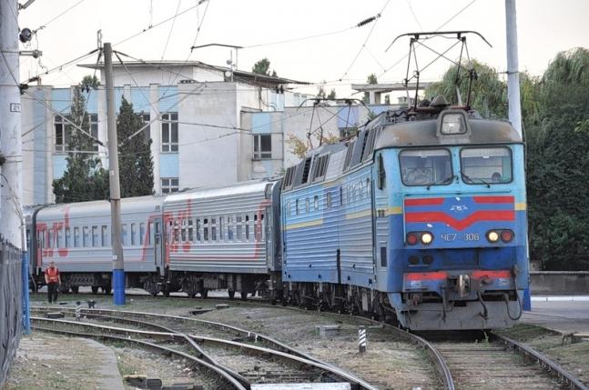 Розклад руху потягів зміниться (Відео)