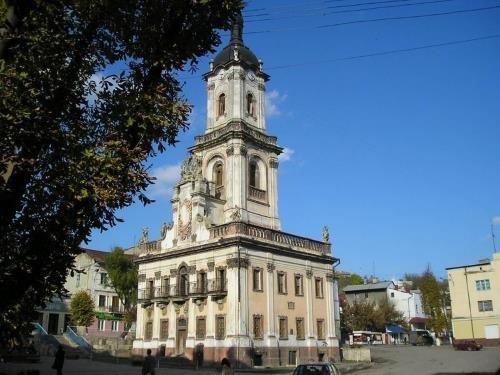 Майже 80% Бучацької ратуші вже відреставровано (Фото)
