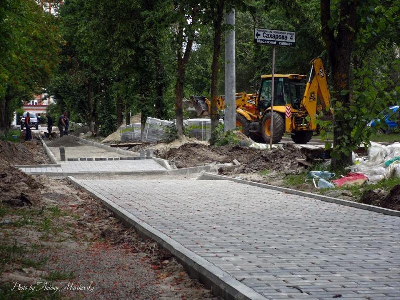 На одній із вулиць Тернополя збудували дощовий колектор (Фото)