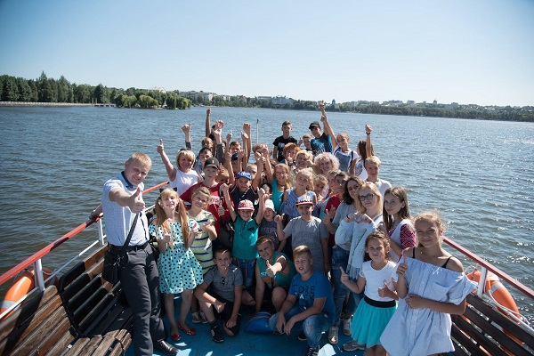 Майже півсотні дітей учасників АТО з Херсонщини відпочивають у Тернопільській області (Фото)