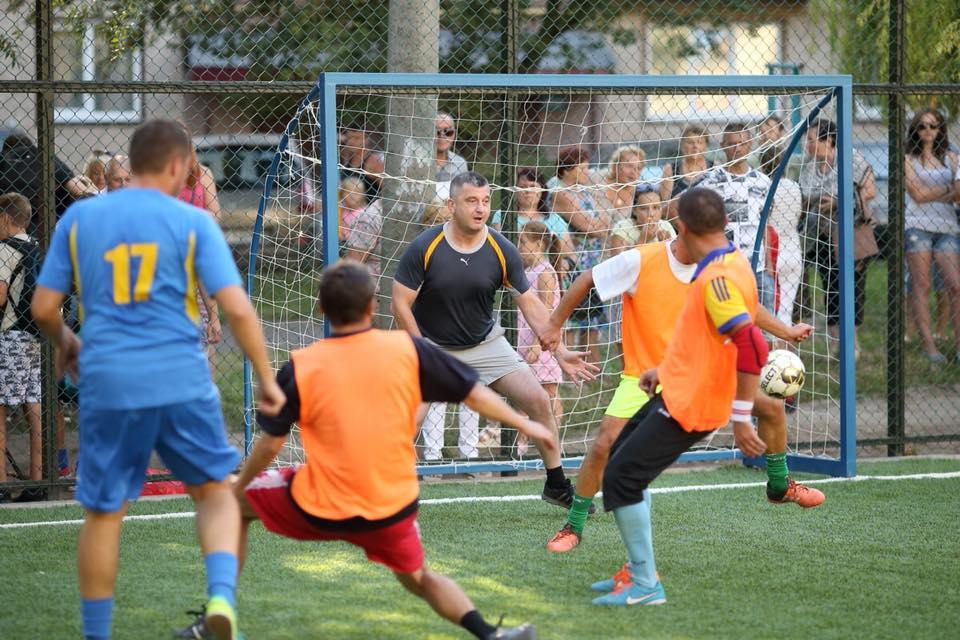У Тернополі відкрили новий універсальний спортивний майданчик (Фото)