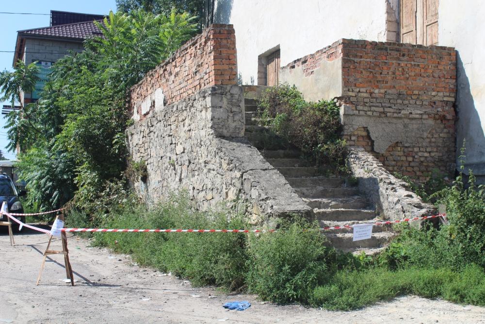 Жителів Кременця попереджають про небезпеку (Фото)