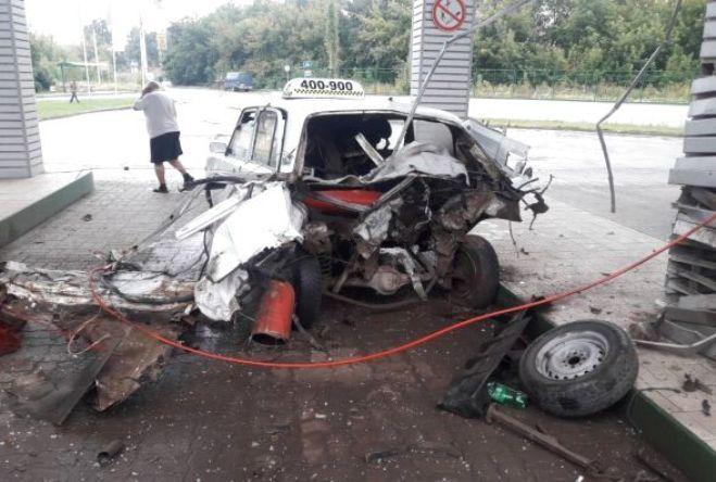 У Тернополі на газовій заправці вибухнуло таксі