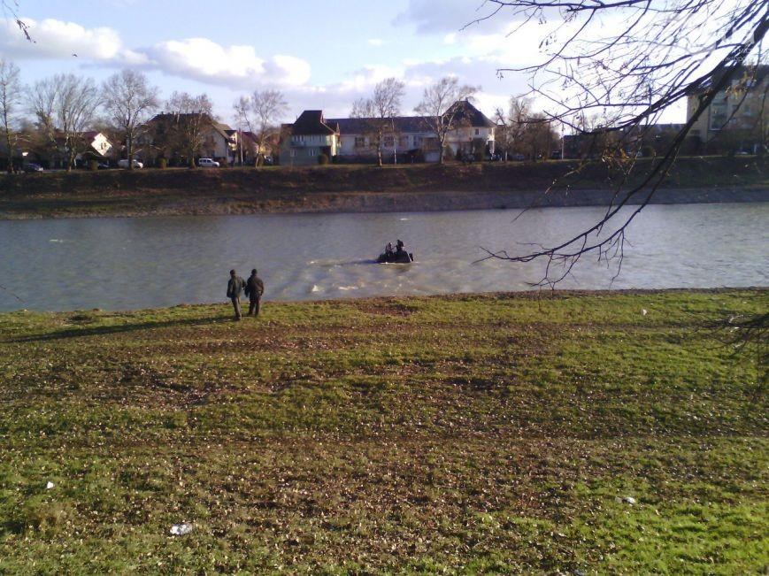 На Тернопільщині посеред річки знайшли тіло жінки