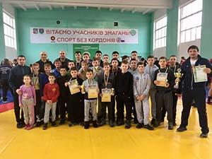 Тернопільські борці здобули третє місце на міжнародному турнірі у Берегово