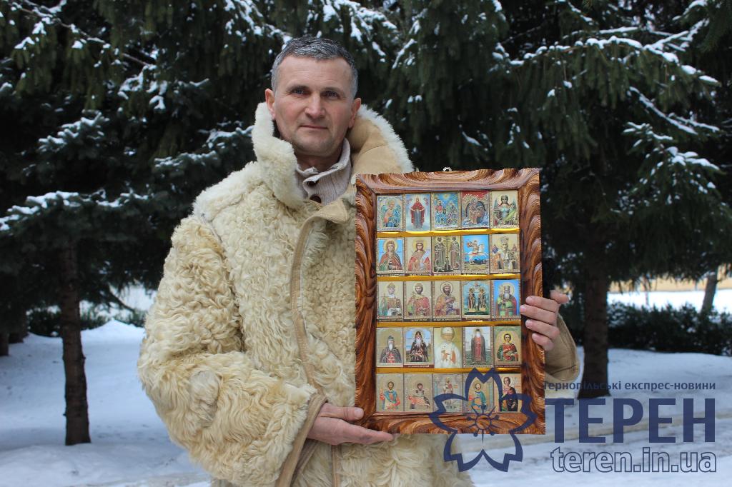 Волонтери Борщівщини передали військовим колекцію 12-ти ікон (Фото)