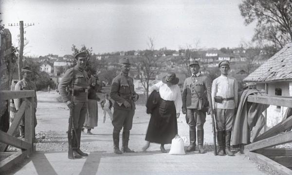 Гусятин на фото 1918 року